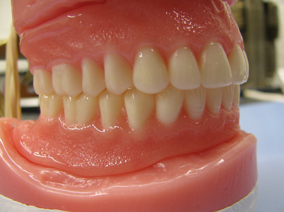 best-dentist-for-dentures-02